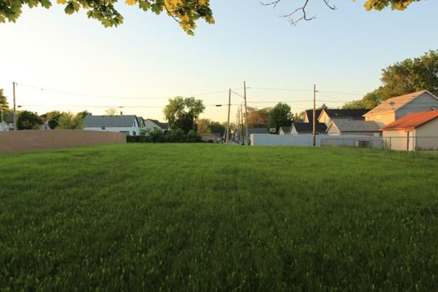 Bring Your Building Plans! (photo 3)