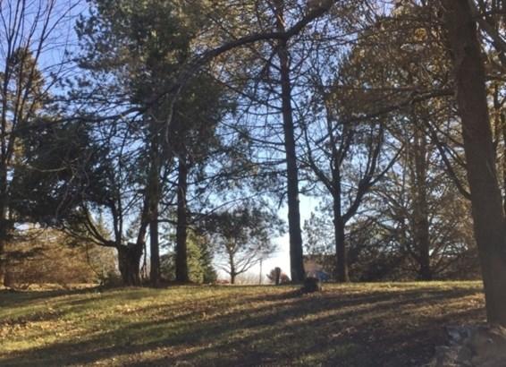 2977 Rolaine Pkwy, Hartford (photo 2)