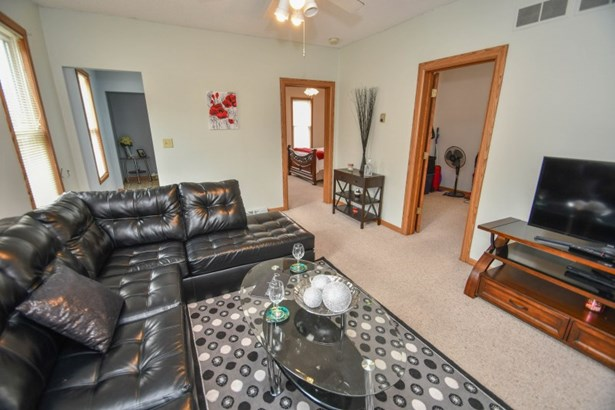 Main Floor Living Room (photo 3)