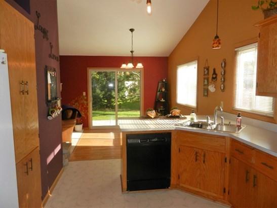 Open Kitchen (photo 3)