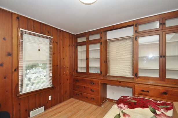 Dining Room used as Bedroom (photo 4)