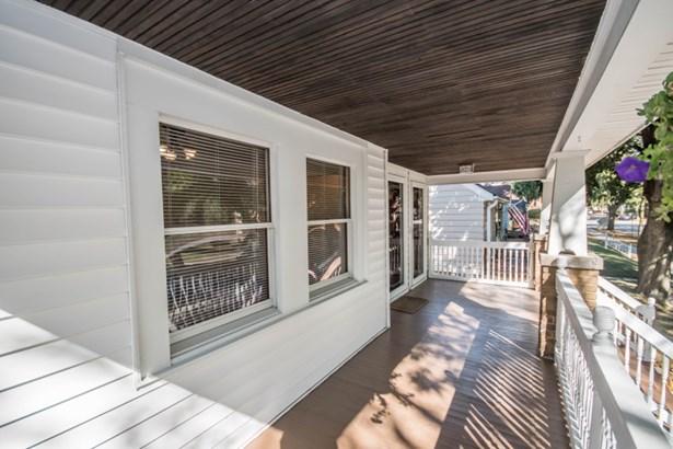 Front Porch (photo 3)