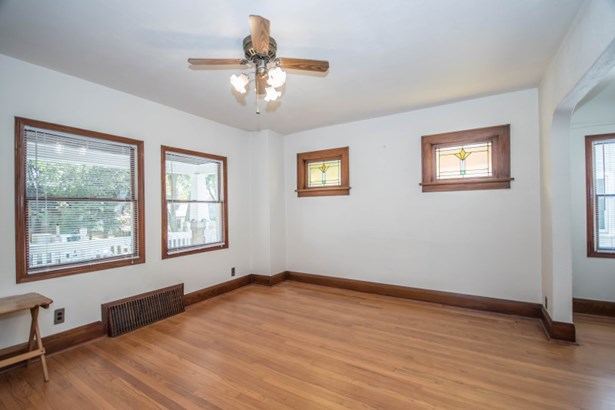 Lower Living Room (photo 5)