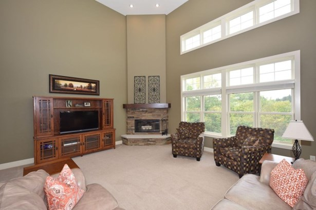 Dramatic Great Room (photo 3)