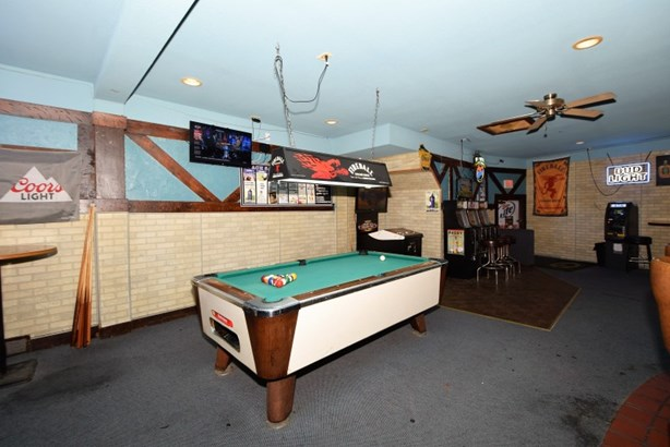 Pool Table (photo 5)