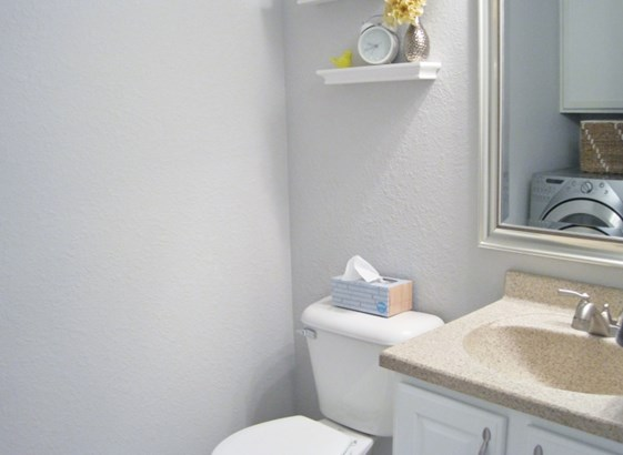 Half Bath Main (photo 4)