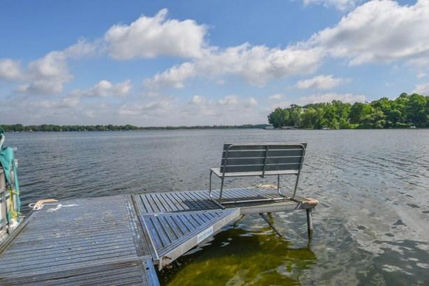 Deck view to Lake (photo 4)