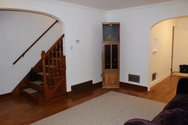 Living Room-Hardwood Floors (photo 3)