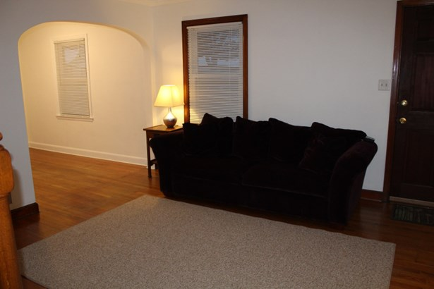 Living/Dining Room (photo 4)