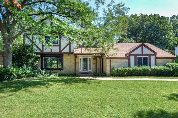 Striking Updated Tosa Colonial