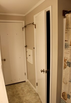 Large Closet in Main Bathroom (photo 5)