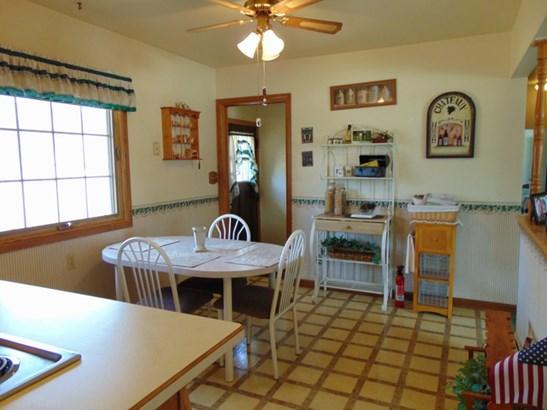 Kitchen w Door to Patio (photo 3)
