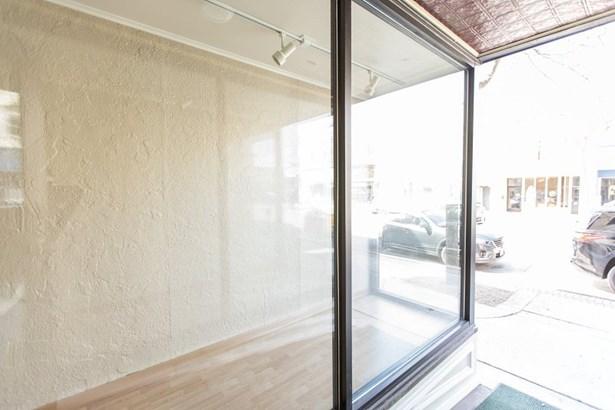 Window Display (photo 3)