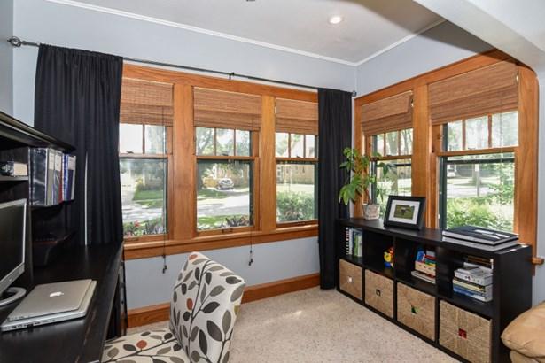 Den/Sunroom off Living Room (photo 5)
