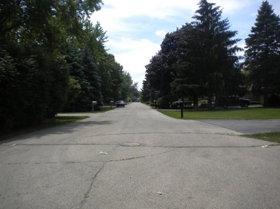 Street (photo 2)