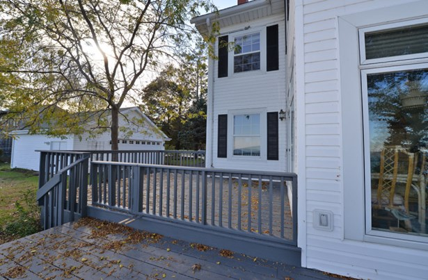 Large Deck With Great Views (photo 3)