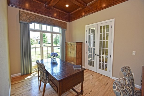 Wood Floors and Ceiling in Den (photo 5)