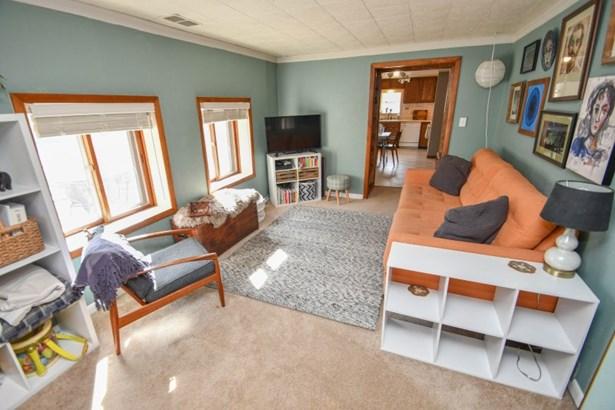 Living Room view II (photo 3)