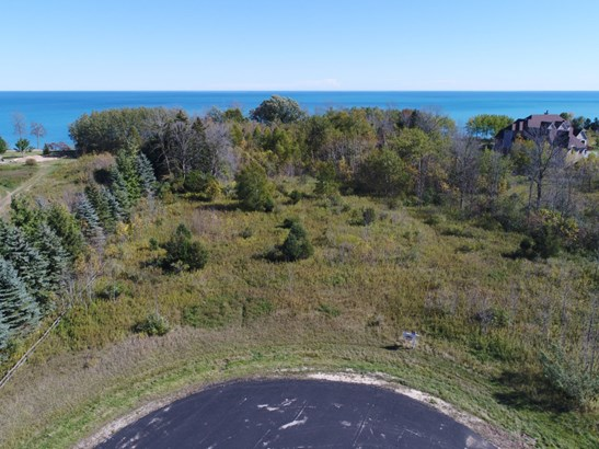 Lake Michigan Views -Grafton (photo 1)