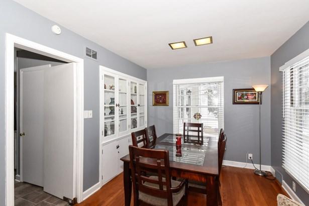 Dining Room w/HWFs & BICC (photo 4)