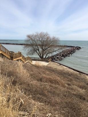 Near Lake Michigan (photo 3)