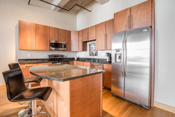 Stainless Appliances (photo 5)
