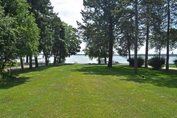 View toward Lac La Belle (photo 2)