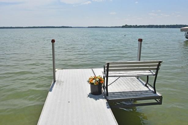 Enjoy Lac La Belle (photo 3)