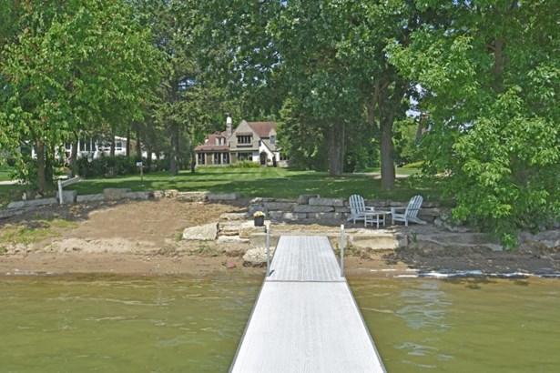 Lac La Belle w Sandy Frontage (photo 4)