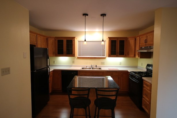 Ample Counter Space (photo 3)