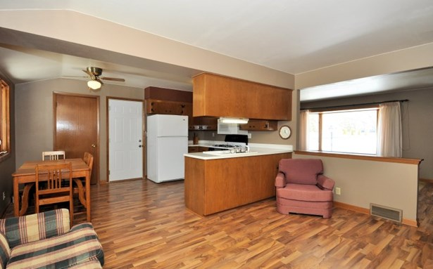 Open Concept Layout (photo 3)
