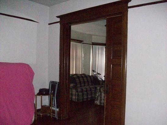 pocket doors (photo 4)