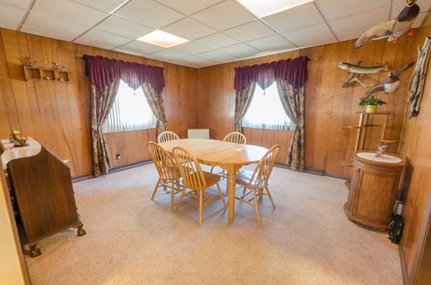 Spacious Dining Room (photo 2)