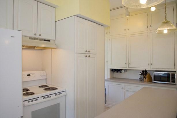 Sunny Kitchen (photo 3)