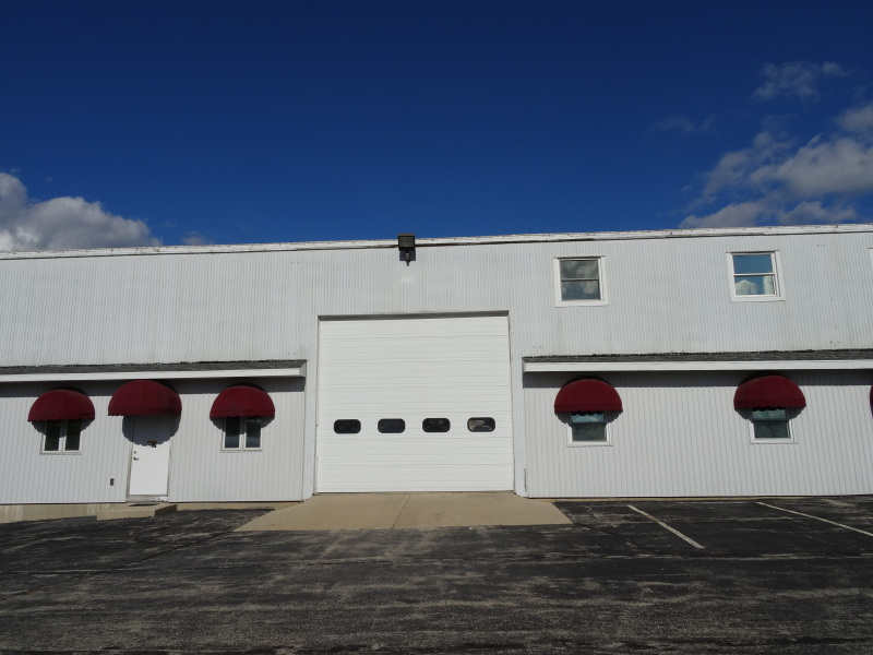 14' Overhead Door (photo 2)