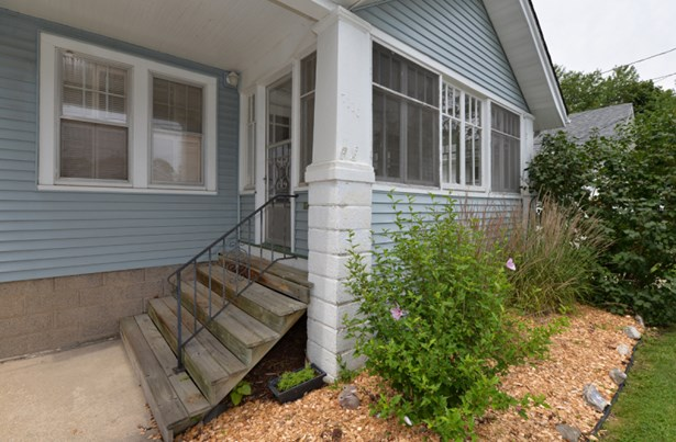 New Steps to Porch (photo 2)