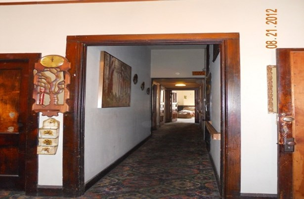 Entry Area Has Newer Carpet (photo 4)