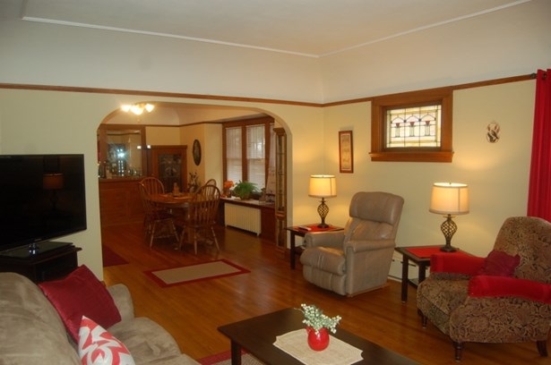 living room - view 3 (photo 4)