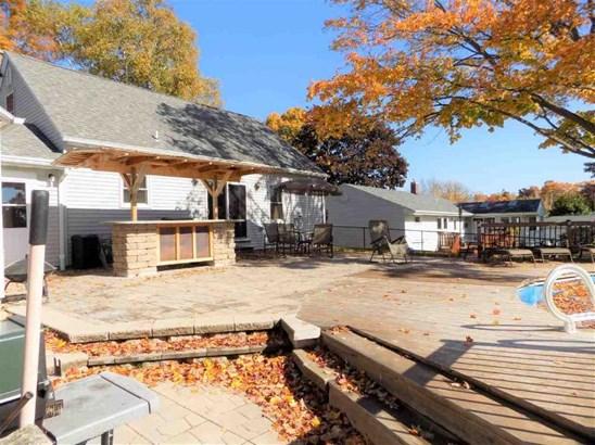 Deck/patio area (photo 5)