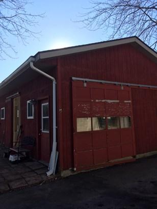 pole barn (photo 4)