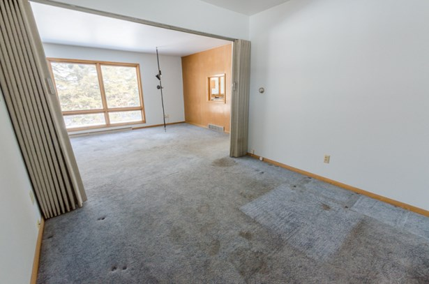 potential office or playroom (photo 5)