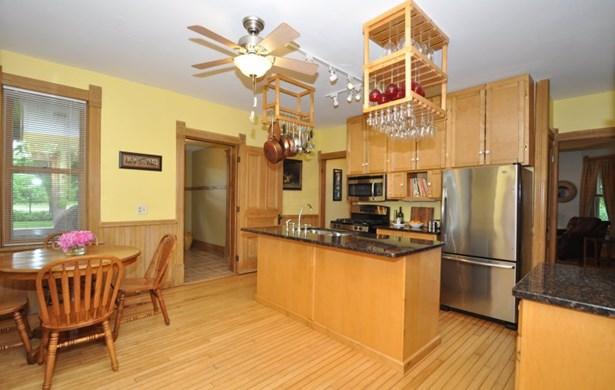 Cooks Kitchen (photo 4)