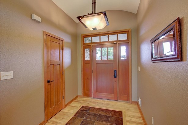Welcoming front entry (photo 3)