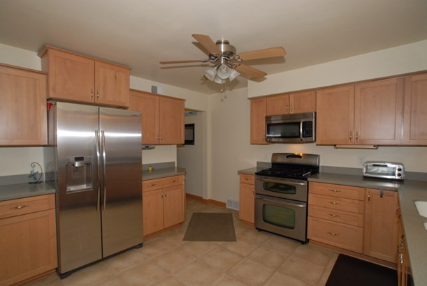 Stainless steel appliances (photo 3)