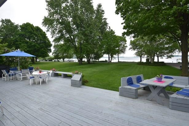 Large Deck (photo 3)