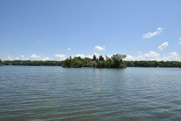 Island View (photo 3)