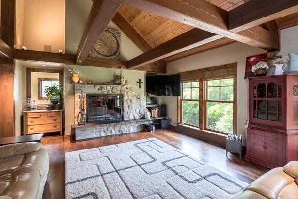 2nd Floor Living Room (photo 3)
