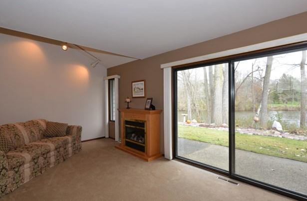 Living room views (photo 1)