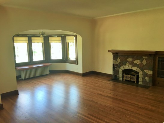 Lower Living Room (photo 3)
