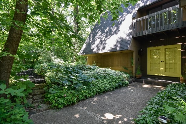 Front Entrance & Path to Woods (photo 2)